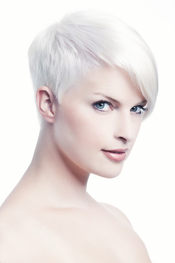 womens-pixie-hair-cut
